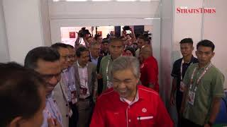 Zahid opens media centre at Umno General Assembly 2017