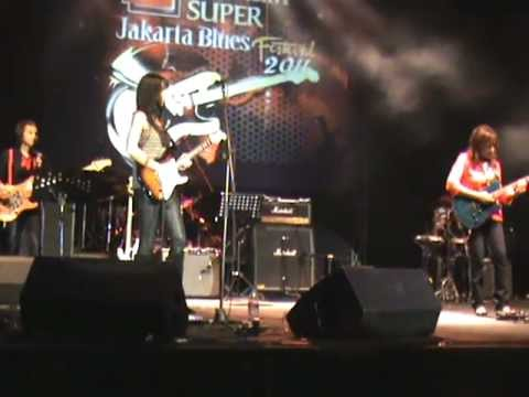 Live Ladies in Blues Band (1) @ Jakarta International Blues Festival 2011 Kara Grainger, Bertha
