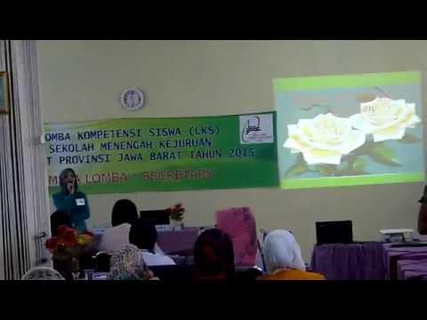 Presentasi mata lomba bilingual Secretary pada LKS tingkat Provinsi