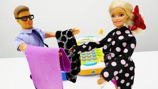 Модный образ Барби к осени! Барби покупает одежду