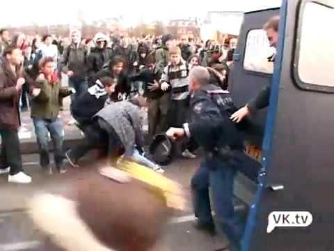 Scholierenprotest draait uit op rellen