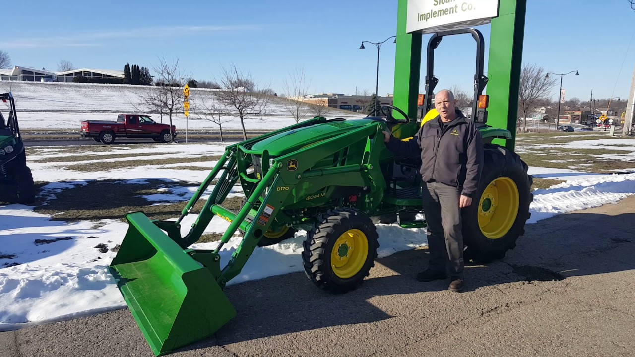 Mt Horeb, WI: John Deere 4M utility tractor - YouTube