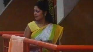 South Indian actress hot saree scene