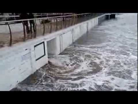 Bagni lido alassio tempesta di natale 2013 youtube - Bagni lido andora ...