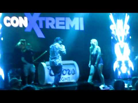 Miami Weekends - Vlog #15 - Colombian Festival, MegaRumba, Wynwood