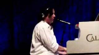 "Steve Hogarth - ""The Whole of the Moon / Spirit"" Live"