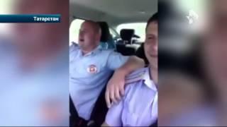 В Татарстане двое полицейских устроили караоке-вечеринку на рабочем месте