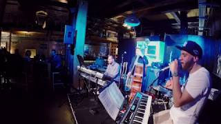 Ak Ambience performing Searching (Roy Ayers)