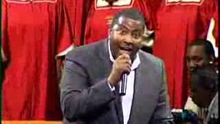Oh, It is Jesus Pastor E Dewey Smith Sings 1