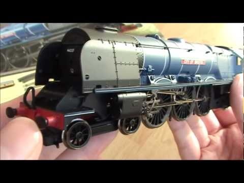 Opening 'The Royal Scot' train set from Hornby