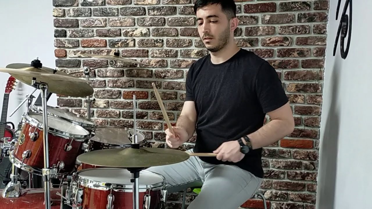 Does Anyone Know How to Play the Drum? :)