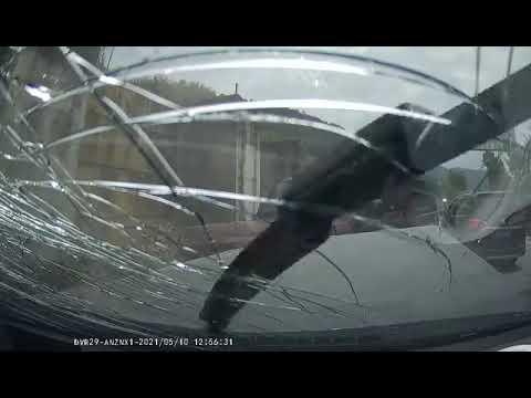 中國三寶 | 一起逆向超車,撞很嚴重