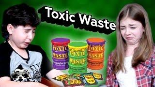Реакции детей на самые кислые в мире конфеты Toxic Waste(, 2016-10-28T12:32:48.000Z)