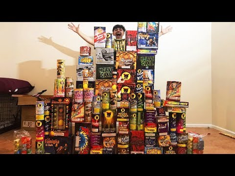 BIGGEST 4TH OF JULY ILLEGAL FIREWORKS EXPLOSION! (WORLDS BIGGEST FIREWORKS EXPLOSION)