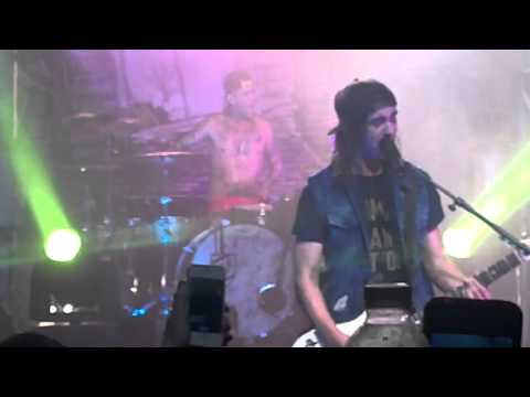 Pierce The Veil - Hold On Til May (feat. Jenna McDougall) LIVE At TLA