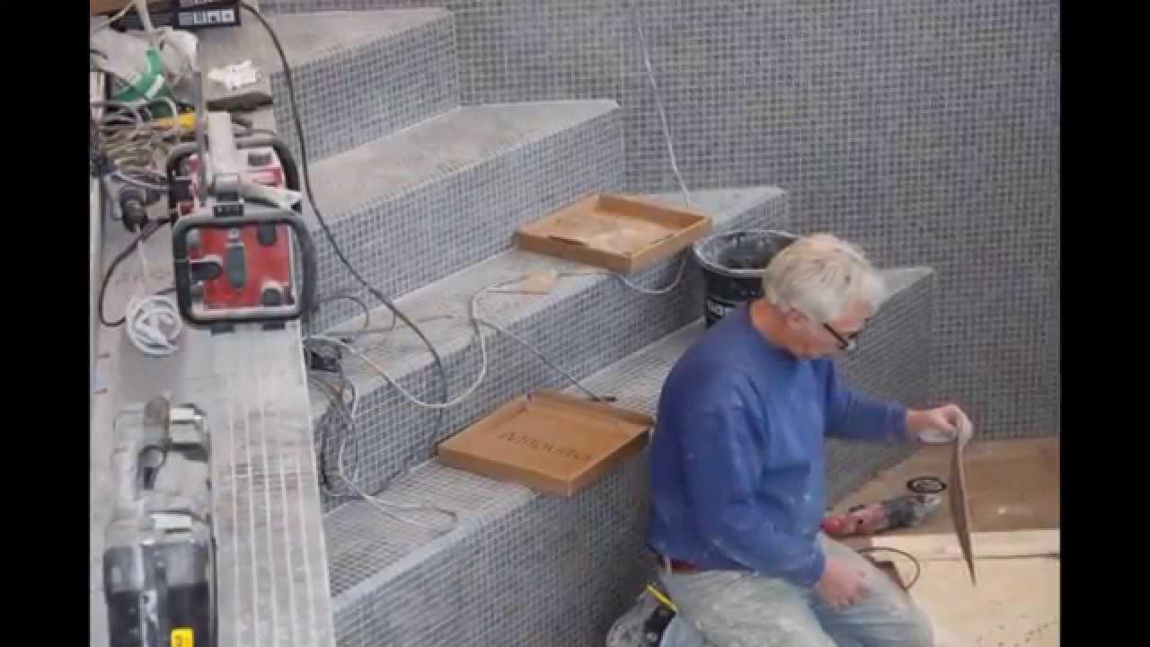 Mozaiek Tegels Plaatsen : Bouwkundig binnen zwembad met mozaiek youtube