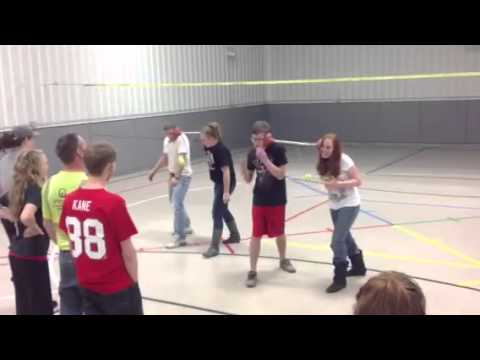 Youth group Christmas party games - YouTube