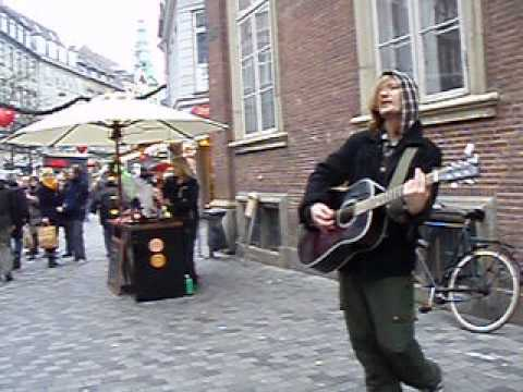 Dont Let me down Cover on the streets of Copenhagen