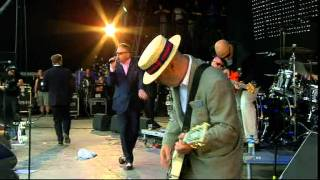 Скачать Madness Nightboat To Cairo Glastonbury 2009