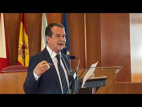 El presidente de la Femp y alcalde de Vigo Abel Caballero durante la rueda de prensa