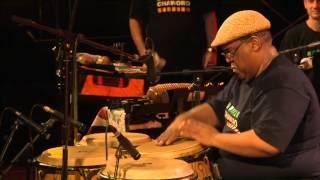 Orlando Poleo solo de congas con Chaworo el 25 07 13 festival de jazz en Foix-Francia