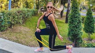 Тренировка с резинкой в парке/Workout training