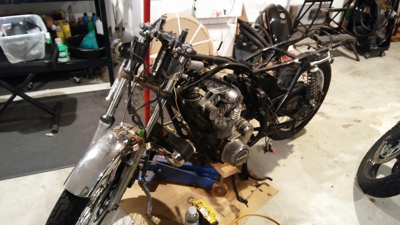 Tear Down - Suzuki GS550 Cafe Racer Build (Part 1)