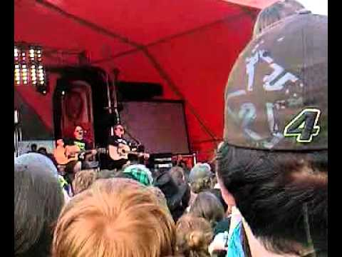 Bowling for Soup - 1985 (Live @ Download 2011) - YouTube