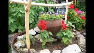 видео Цветочная клумба на даче