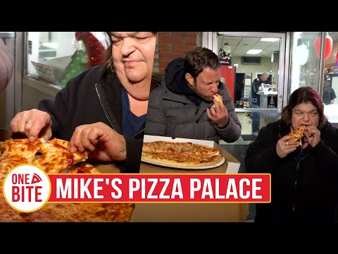 (Uber Debbie) Barstool Pizza Review - Mike's Pizza Palace (Naugatuck,CT)