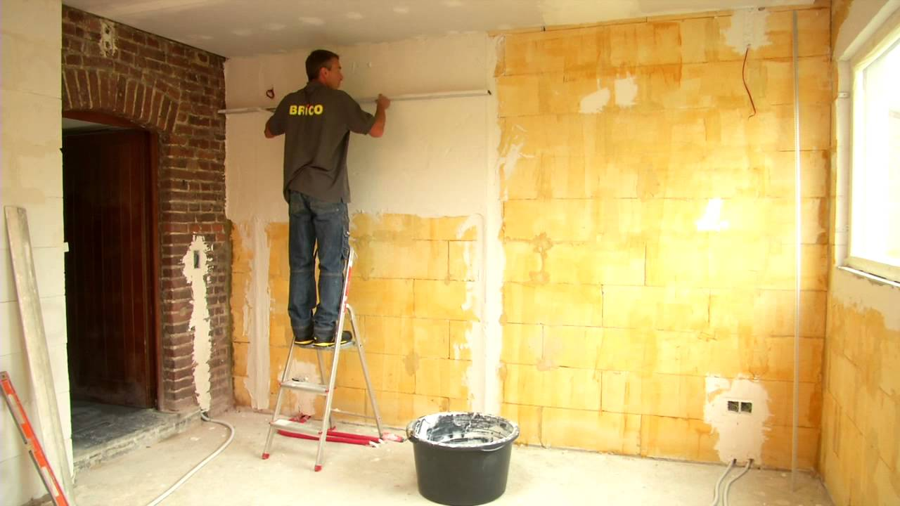 Plafonner un mur etape par tape bricolage youtube for Comment coller du placo sur du carrelage