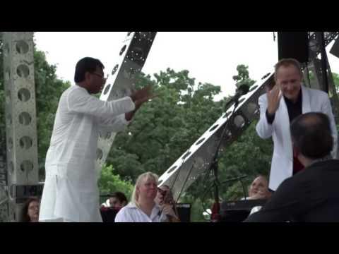 Chitravina N Ravikiran Melharmony enthralls 45,000 @ Madison City Square, USA