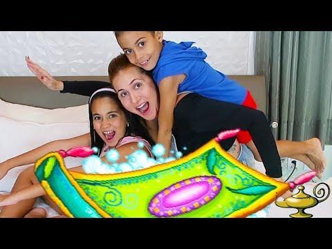 ESTOU VOANDO -  Brincando com Bela Bagunça e  Magu Jogo para criança