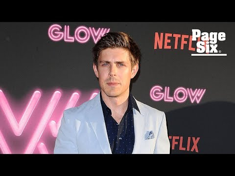 Chris Lowell reveals who on 'Glow' is the most badass