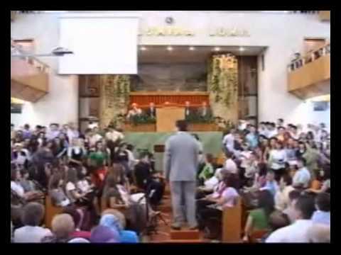 Եհովայի վկաները գրոհում են.«Եկեք, ավելն ու գլխներիդ ջարդելիք պոլի փեդը դռան հետևում են»