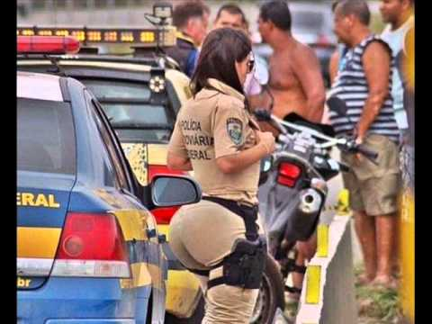 Policial feminina gostosa