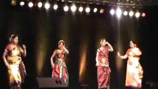 Dance with Bengali Song Kine De Reshmi Churi