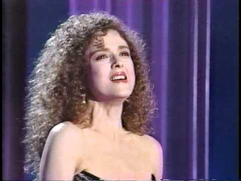 Bernadette Peters Sings