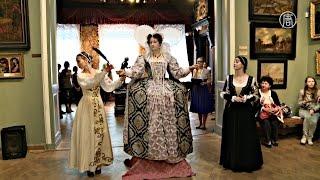 Моду средневековья показали в музее (новости)(http://ntdtv.ru/ Моду средневековья показали в музее Платье, юбки и корсет – чтобы раздеть королеву Елизавету,..., 2015-04-30T15:24:14.000Z)