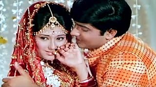 Moushumi Chatterjee & Anil Dhawan's first night | Ghulam Begum Badshah | Romantic Scene 8/20