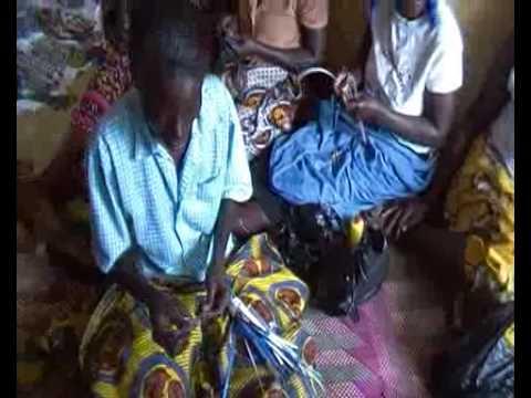 Amaziah TV - Women of Kireka - Bead making in Uganda