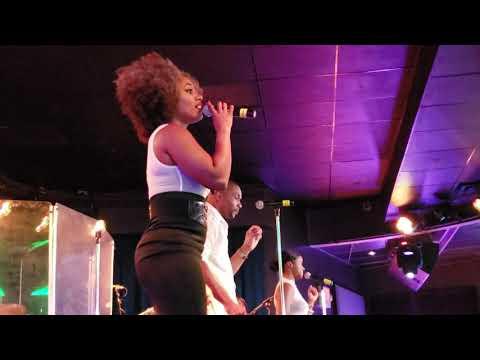 Whitney Houston I