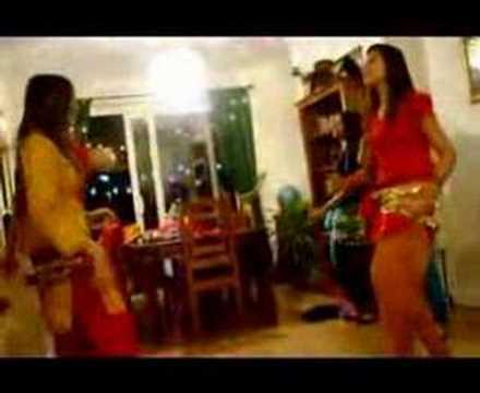lesbians MILF cougar kissKaynak: YouTube · Süre: 2 dakika9 saniye
