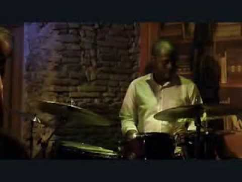 Salt Penauts - Gregory Hutchinson drum solo - live jazz @ Gregory's Jazz Club - Roma