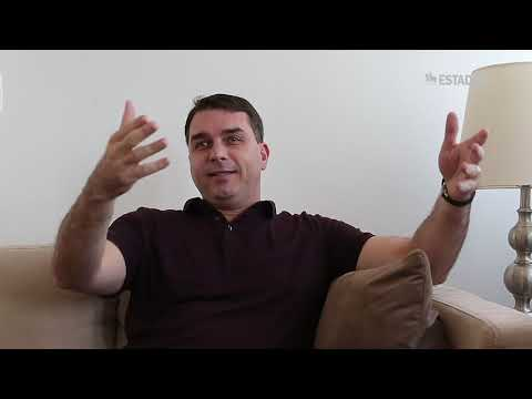 Em entrevista exclusiva ao 'Estado' Flávio Bolsonaro diz que não sabe onde está Fabrício Queiroz