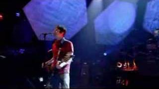 Ash - Shining Light (live on Jools Holland 2001)