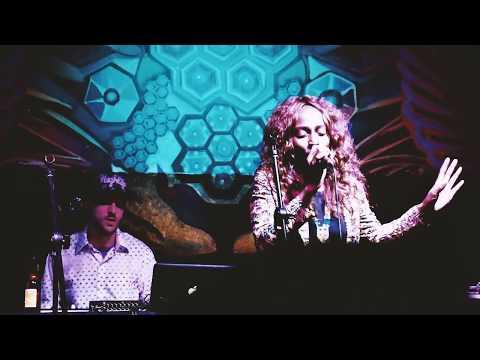 Sunka - Bajo La Luna - Live @ Latino Power, Bogotá