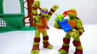 Игры с Черепашками Ниндзя - Инопланетяне на базе! – Видео для детей.