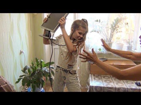 ДЕВОЧКА ГРИФЕРША РАЗБИЛА КОМПЬЮТЕР В РЕАЛЬНОЙ ЖИЗНИ!| АНТИ-ГРИФЕР ШОУ #207