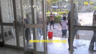 Soldiers attack Medfac Students